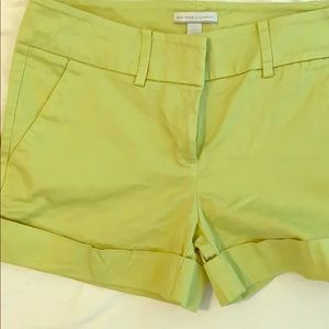 Women's size 6 New York and Company shorts